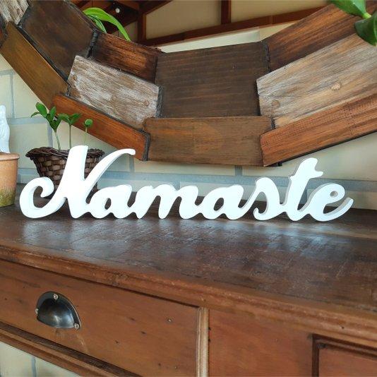 Palavra Decorativa Namaste 45cm em Mdf Laqueado Branco 15mm