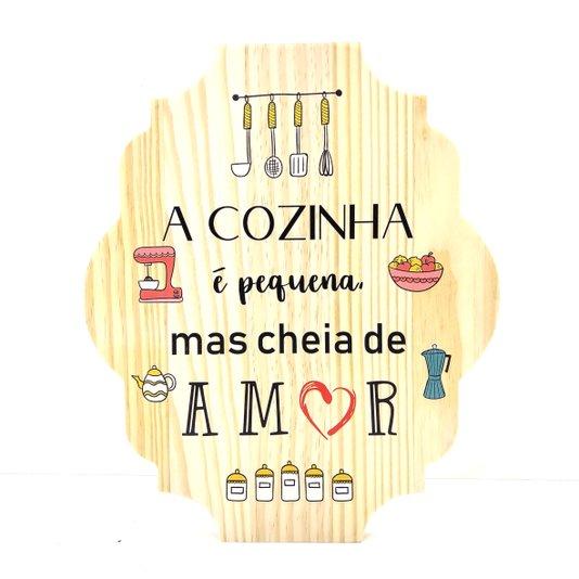 Placa Decorativa de Cozinha em Pinus a Cozinha é Pequena mas Cheia de Amor